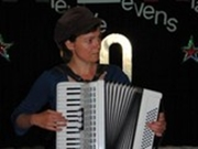 Uitreiking 4e stip - muzikale omlijsting door Cato Fluitsma
